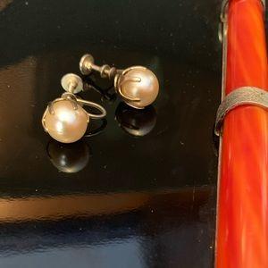 Vintage Pearl Clip-on Earrings